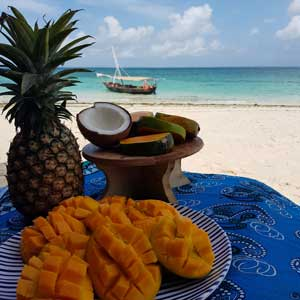 Mimi-the-dhow-fruit-on-the-beach