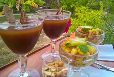 Tamarind-juice-Exotic-fruit-tasting
