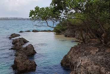 The natural pool at Chapwani