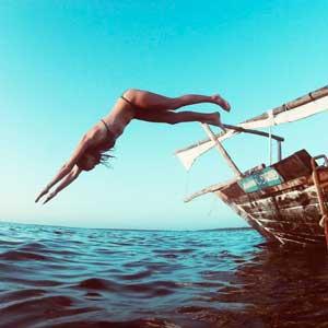 dhow-sail-zanzibar-diving