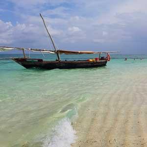 Mimi-the-dhow-on-the-island-Zanzibar